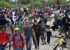 Ανοιξε την κάνουλα του μεταναστευτικού η Τουρκία: Πέρασαν στην Ελλάδα 300 πρόσφυγες (Βίντεο)