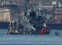 Πειραιάς: Σύγκρουση πλοίου του Πολεμικού Ναυτικού με φορτηγό- πλοίο